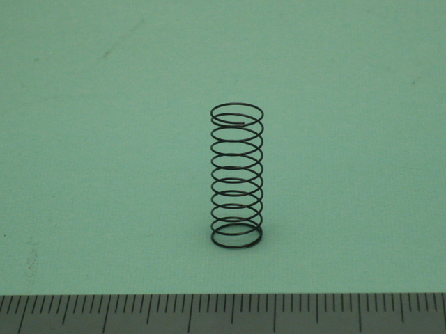 チタン製圧縮バネ:蓄電池用